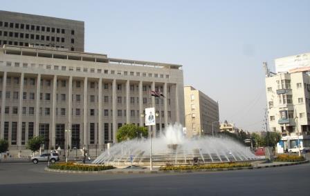 المصرف المركزي يدرس الآليات الممكنة لجذب أموال السوريين من الخارج.؟