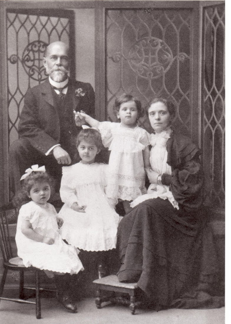 Manmatha Mallik and his wife Jeanne Marie Rey with their first three children - January 1905
