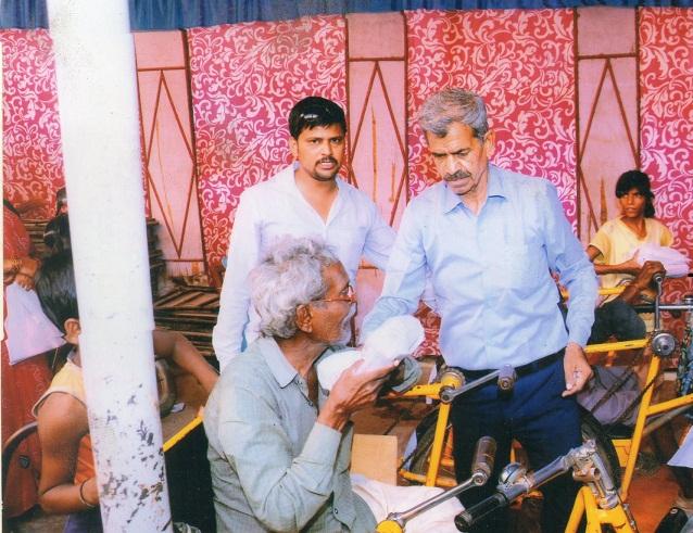 श्री मित्र भारत समाज संस्थान राजस्थान केे संस्थापक भगवत कटारा ने 115 गरीबों, विकलांगों के साथ दीपावली मनाई। Bharatpur  Latest news in Hindi|