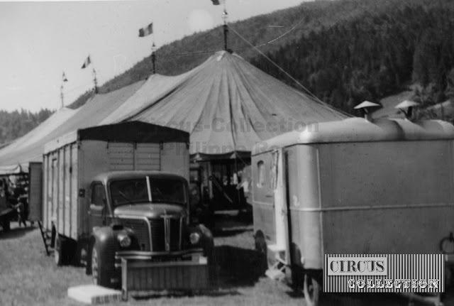 les camions autour du Grand Cirque de France