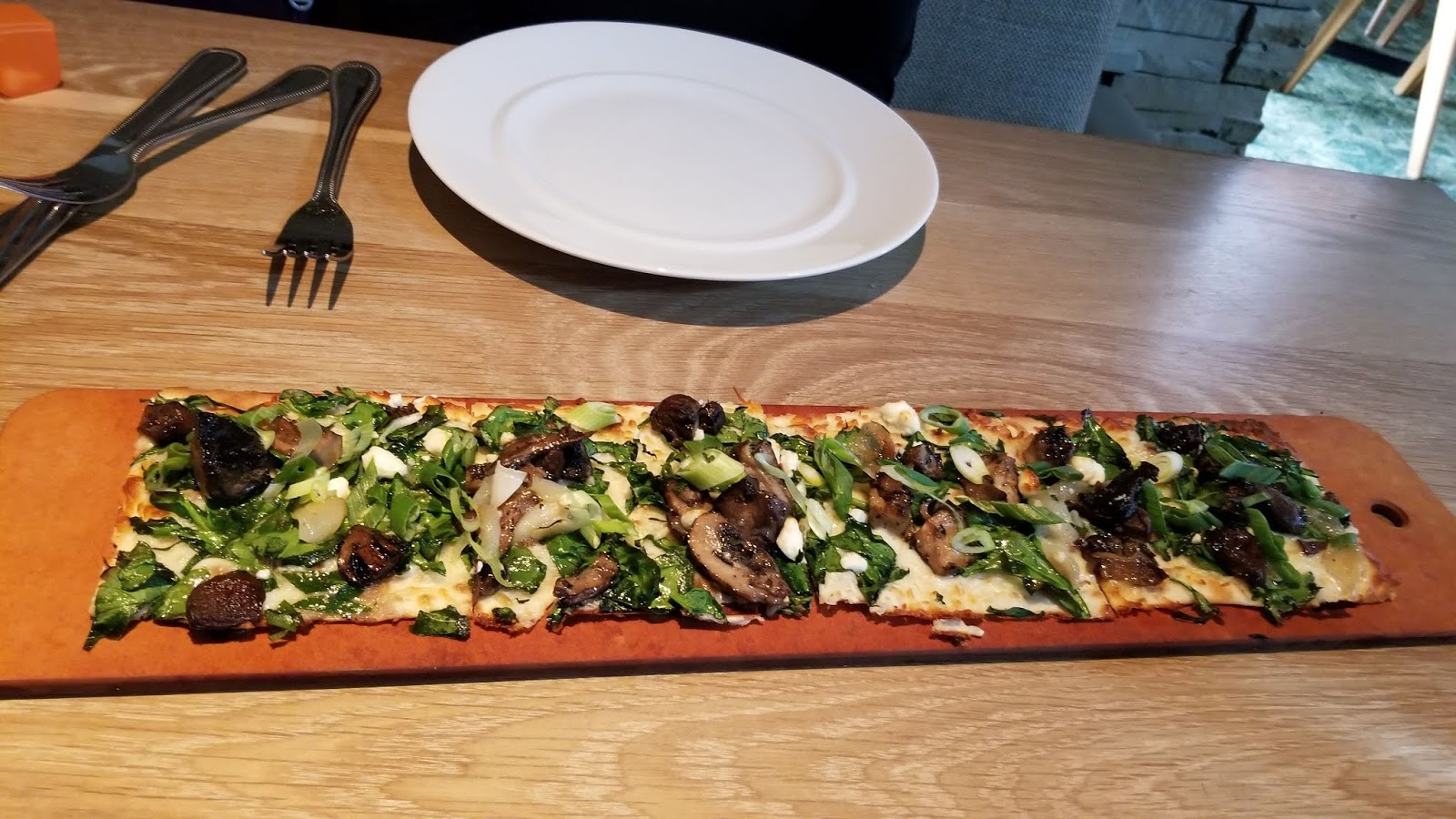 seasons 52 four mushroom flatbread