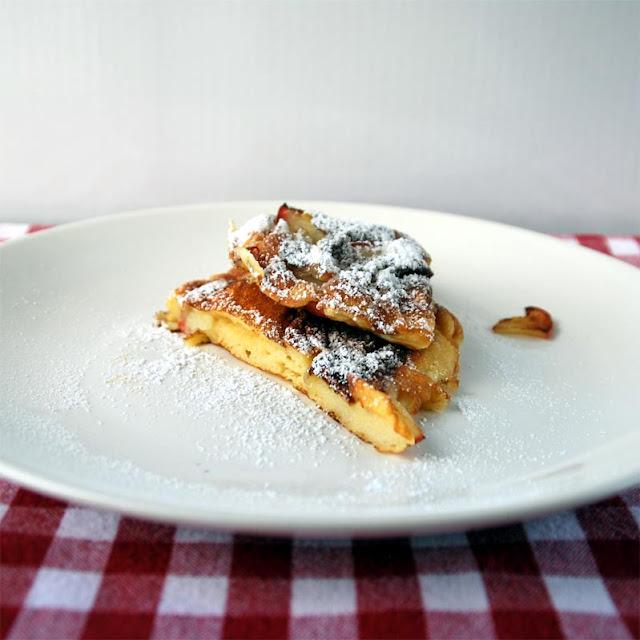 Apfelpfannekuchen mit Puderzucker | pastasciutta.de