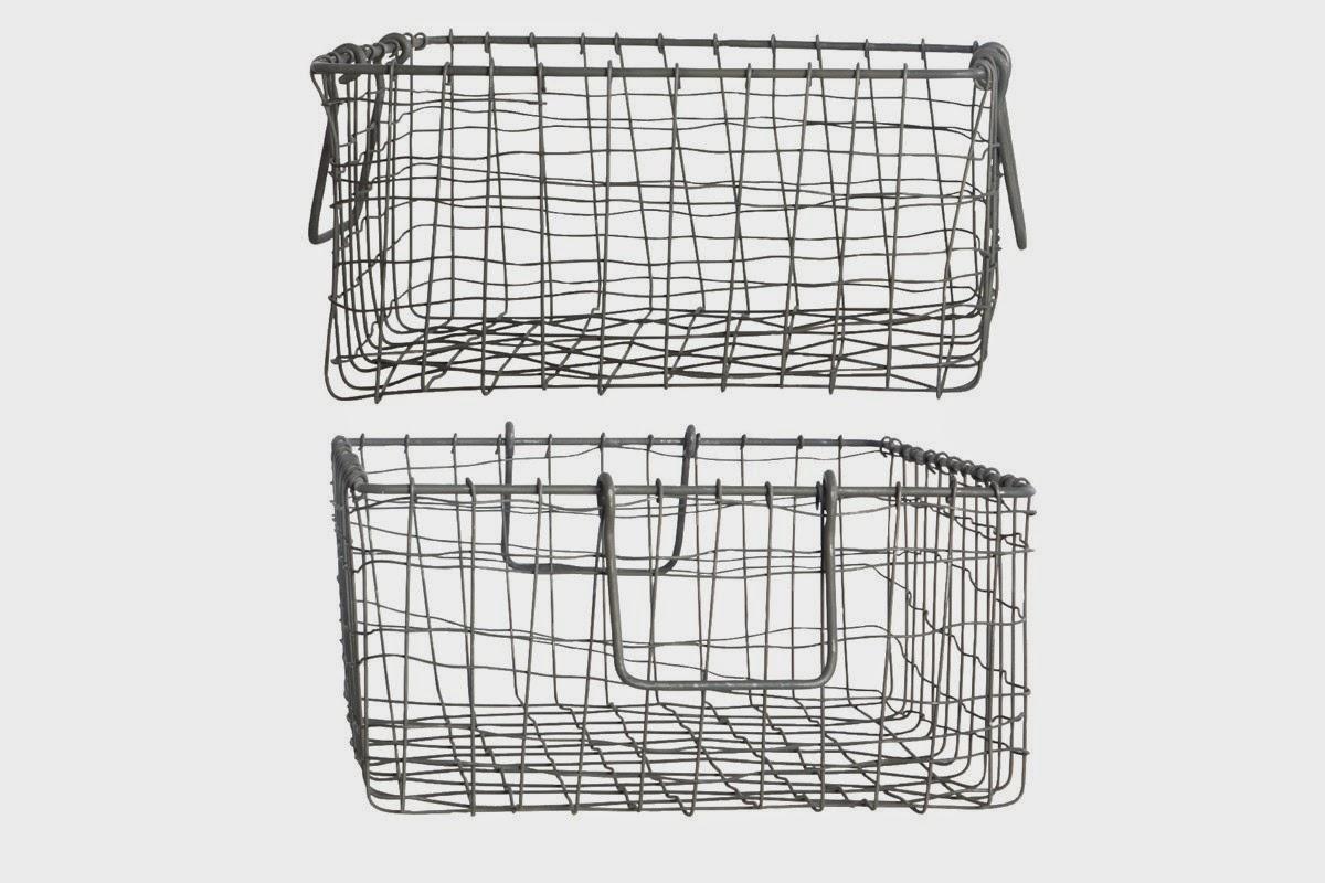 les petits paniers de fil de fer caract rielle. Black Bedroom Furniture Sets. Home Design Ideas