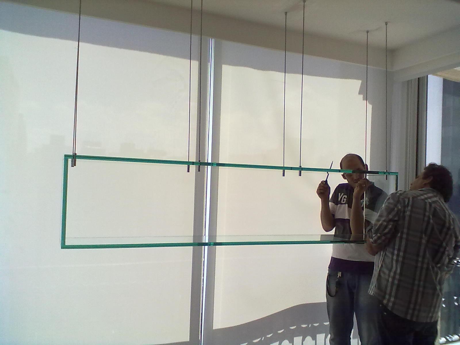 foto de nicho de vidro suspenso