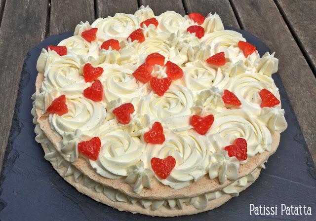 recette de succès vanille et fève tonka, crèmeux vanille et fève tonka, dacquoise vanille, fève tonka, cuisiner avec de la fève tonka, gâteau fête des mères, gâteau vanille et fraise, gâteau de printemps,