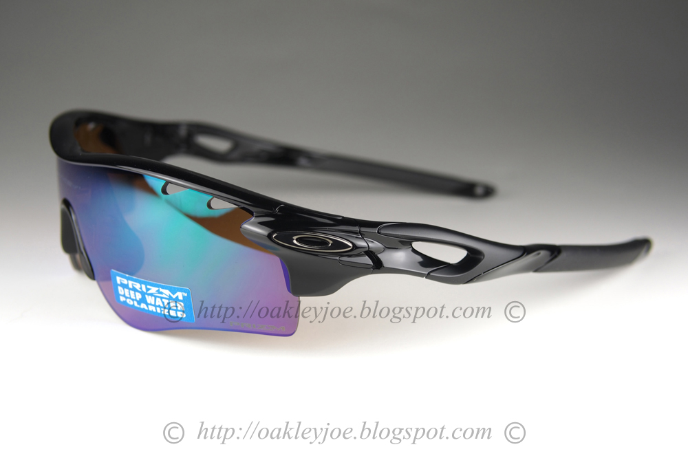 9d1abd7a40 polished white + deep blue water prizm iridium polarized  360 lens pre  coated with Oakley hydrophobic nano solution complete set with box