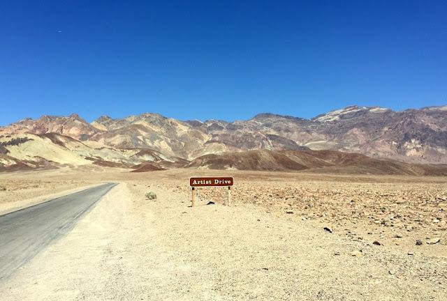 Atração Caminho do Artista no Parque Nacional do Vale da Morte na Califórnia