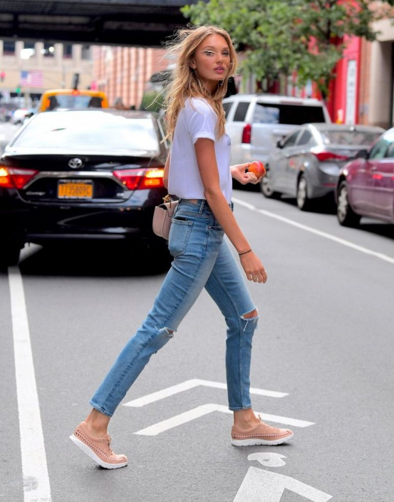 Romee Strijd in Ripped Jeans Style Out in New York