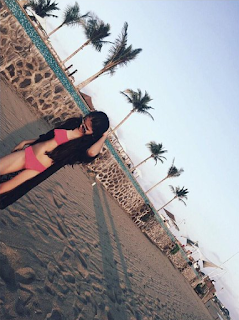 Foto Cantik Maureen Daryanani Memakai Bikini