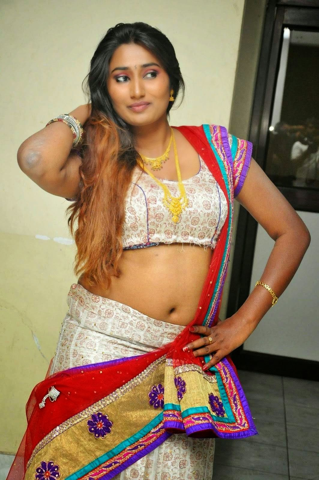 Telugu New Actress Swathi Naidu Hot Spicy Navel Show Spicy