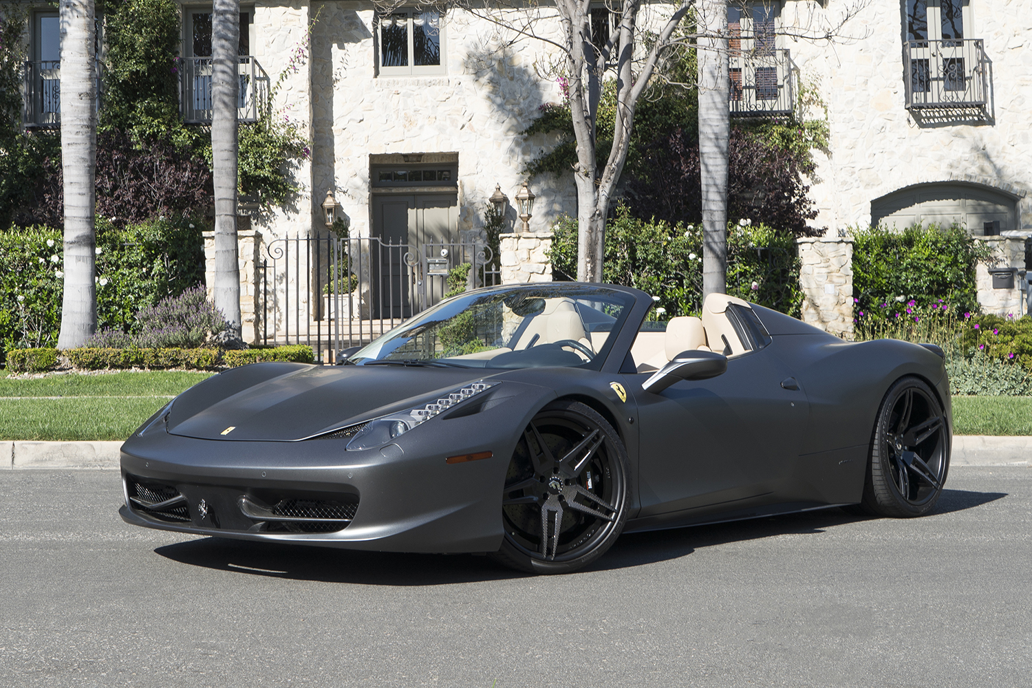 matte grey ferrari 458 spider is all kinds of nah carscoops. Black Bedroom Furniture Sets. Home Design Ideas