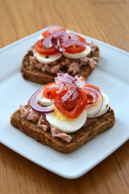 Kanapka fit z tuńczykiem i chili