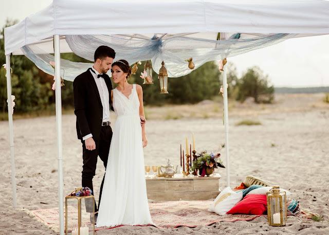 Ślub na plaży.