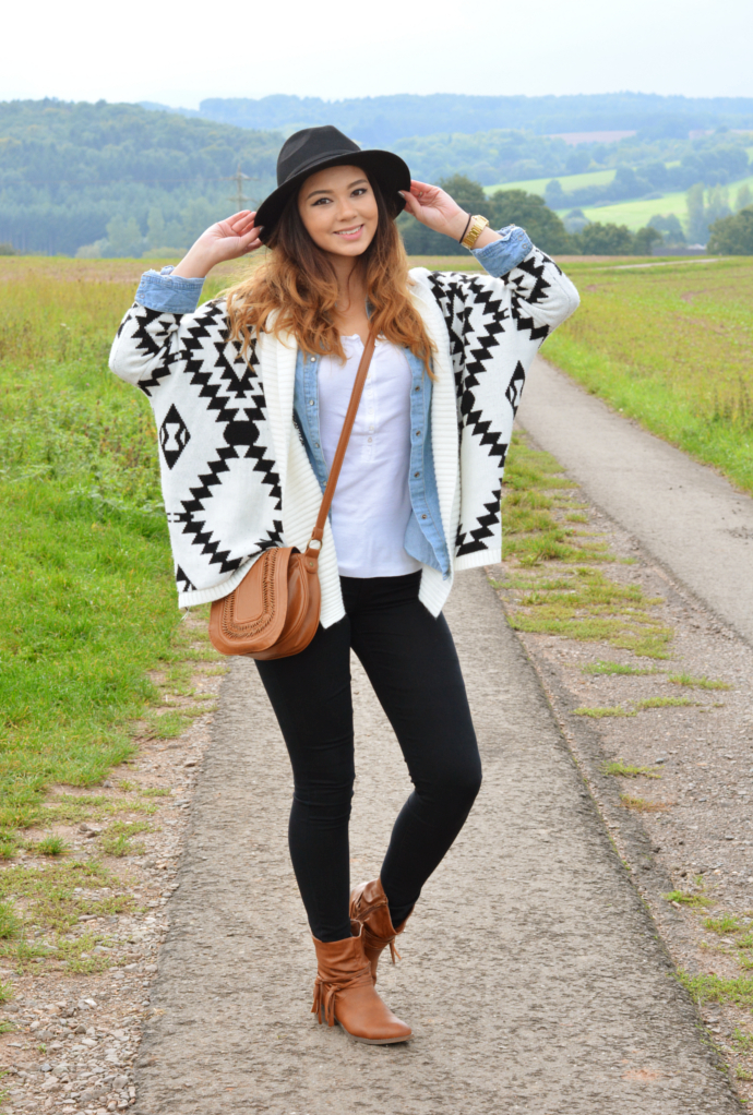 fall outfits, aztec cardigan, aztec, choies, Vintage Waved Kimono Cardigan with Wide Collar, Denim shirt, Jeans shirt, Trendyfine Denim Shirt, Old Navy Shirt, Old Navy, Burlington Black Skinny Jeans, Primark Boots, fringe boots