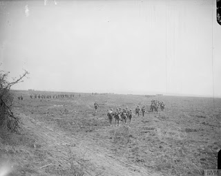 https://upload.wikimedia.org/wikipedia/commons/7/76/The_Battle_of_the_Somme%2C_July-november_1916_Q4235.jpg