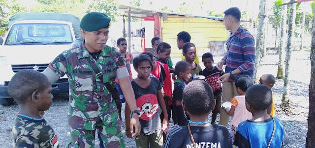 Danyonif 754 Kostrad: Kehadiran TNI Membuat Warga Distrik Kwamki Narama Merasa Nyaman