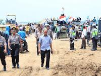 Ratusan Warga Sigentong Brebes Blokade Proyek Pembangunan Jalan Tol Pejagan-Pemalang