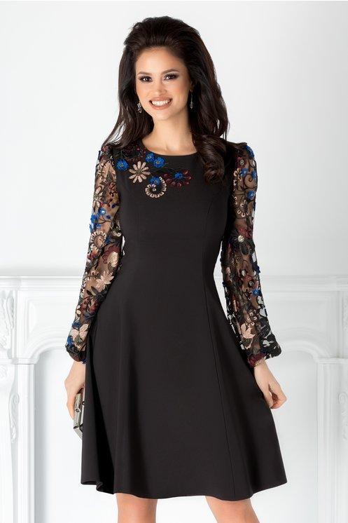 Rochie neagra eleganta  Broderie florala  Croiul clos