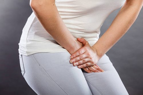 Cure and avoid Urinary tract infections (UTI's) with these home remedies.