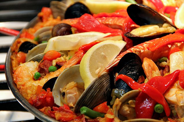 How to cook a wolf christmas eve paella we had lovely spanish wine to drink and made a lovely night of it it was great fun fact by the time we had dinner it was 1100pm forumfinder Image collections