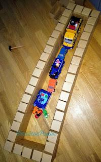 Gigi-bloks-juego-de-construcción-de-bloques-de-cartón-Crea2-con-Pasión-garaje-para-coches