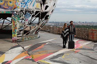 Casal brasileiro viaja ao redor do mundo para registrar experiências mediadas pela musicalidade - Divulgação