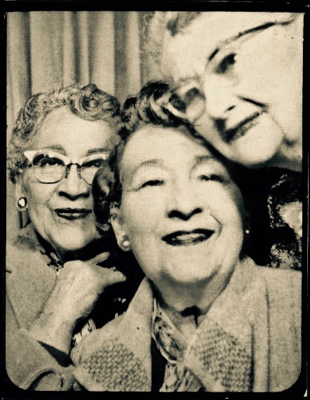 Cute old ladies posing in a photobooth. Three old friends c.1950s I've Fallen Other stories of Matronly Women. marchmatron.com