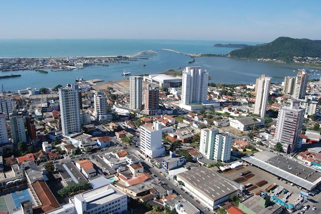 25- Itajaí (SC): 205.000