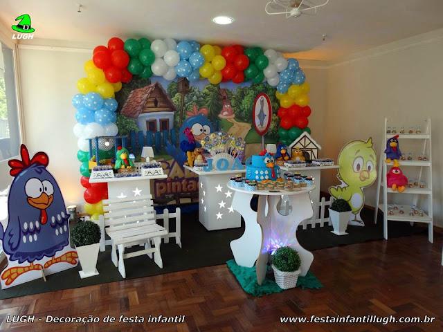 Mesa  decorativa provençal da Galinha Pintadinha para festa de aniversário infantil para meninos e meninas
