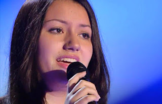 María canta Warrior de Demi Lovato. La Voz 4