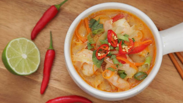 Make-only-three-steps-to-make-delicious-shrimp-noodles-soup