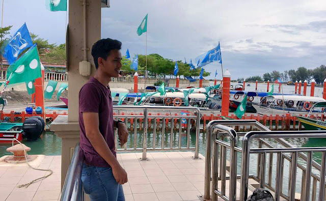 Kuala Besut Jetty with many colourful GE14 flags