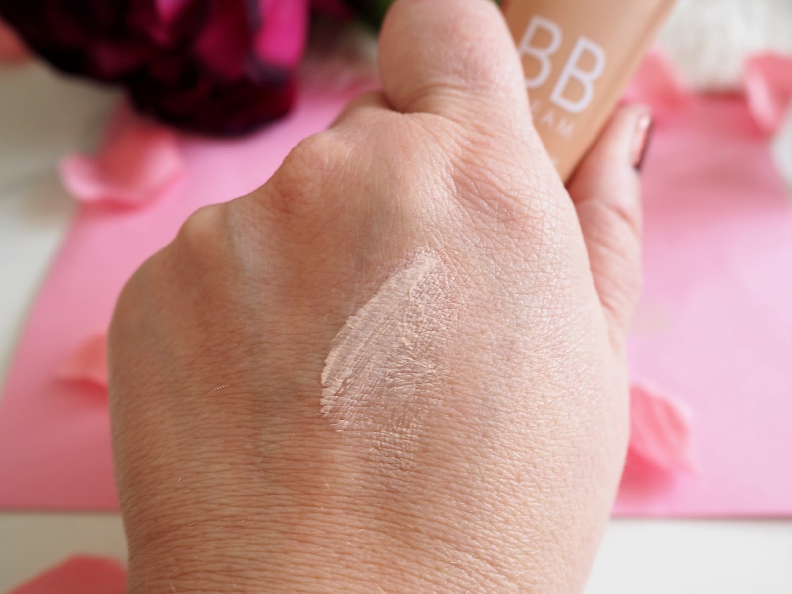 Age Priority  BB Cream with Pomegranate + Hyaluronic Acid