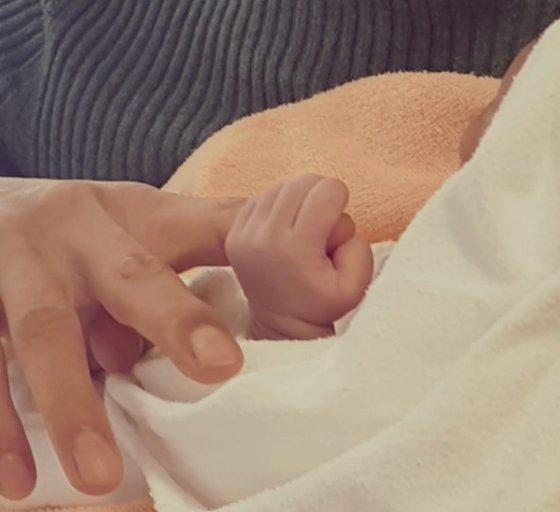 Park Jin Young kızının doğumunu kendi bestelediği bir şarkıyla kutladı