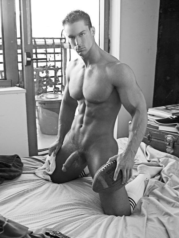 Solo Gay Model Mick Lovell Has Perfect Hard Abs And A Big Cock Even When Soft