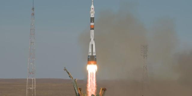 Nave espacial Soyuz aterriza de emergencia