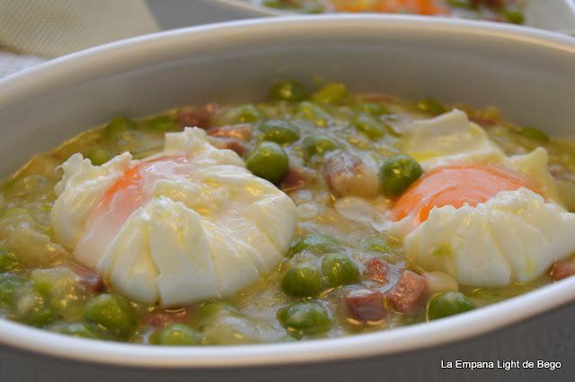 receta-de-guisantes-con-jamon-y-huevo-poche-trucos