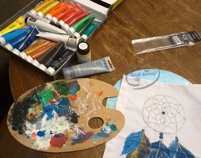Adzik tworzy - ręcznie malowana poduszka DIY