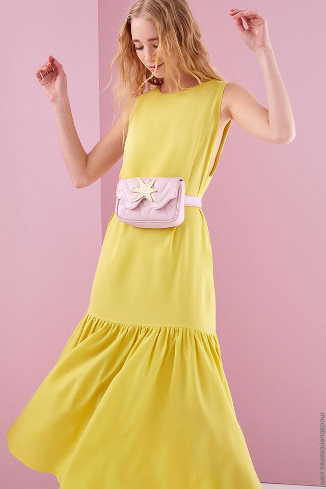Vestido tendencia de moda primavera verano 2019, colección Ossira 2019. Moda 2019 en Argentina.