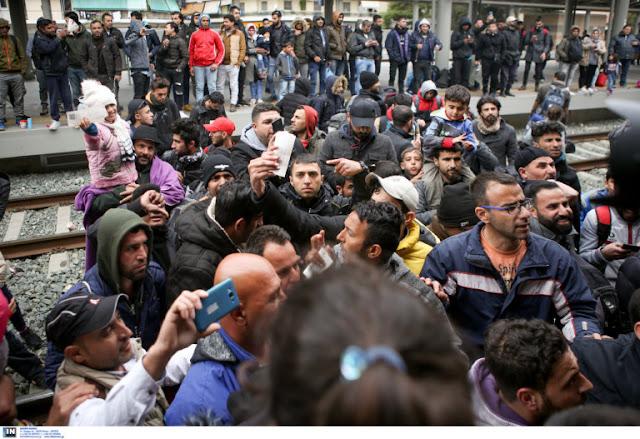 Κατάληψη στο Σταθμό Λαρίσης από πρόσφυγες – Δεν γίνονται δρομολόγια