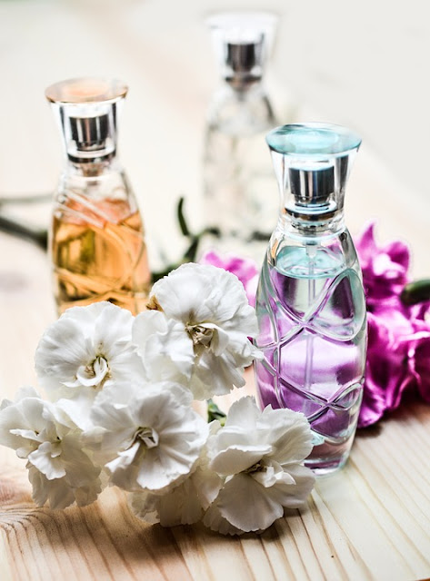 Tips on How to Elegantly Wear Your Perfume