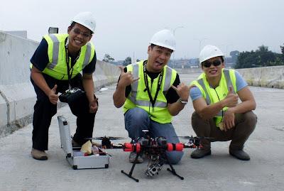 Drone Medium Size untuk tugas video udara di tol BORR