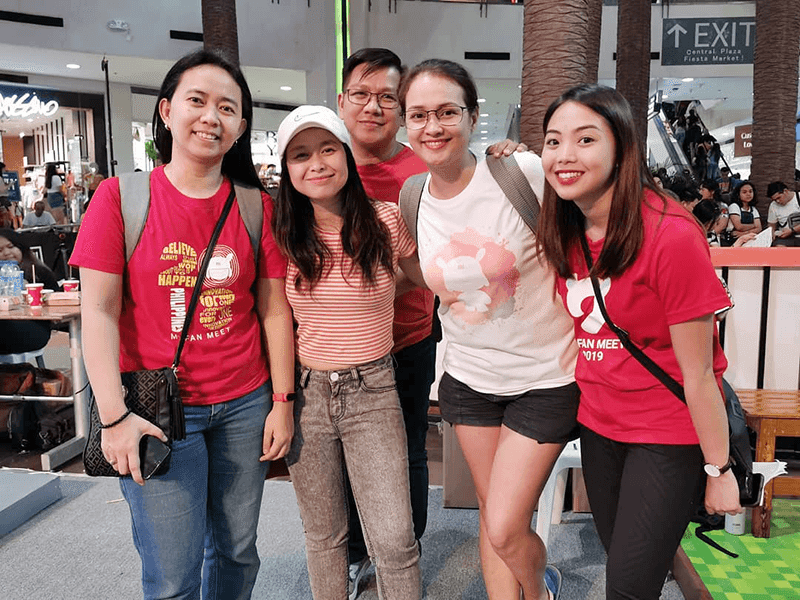 Ms. Ava Castillo, Marketing Manager of Xiaomi Philippines and Ms. Daryl Mendoza Marketing Executive of Grimalkin Corporation together with the Mi Fans