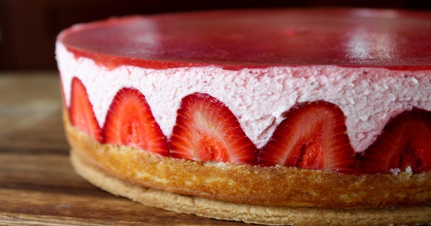 Strawberry Yogurt Mousse Cake Recipe