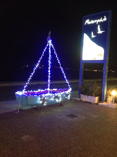 Christmas Boat  Maistrali Taverna Loutraki  Photo, Kostas Vackouftsis.