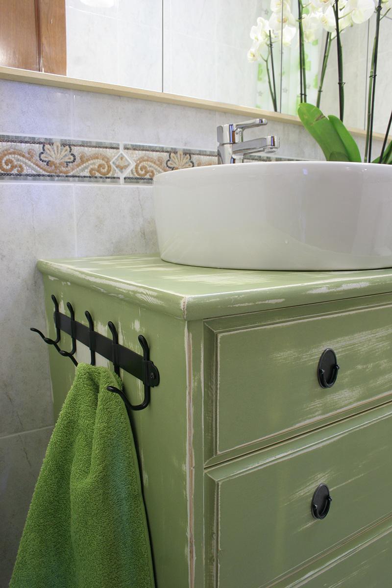 Ikea hacks de c moda a lavabo doble para el ba o decorar en familia def deco - Mueble de bano antiguo ...