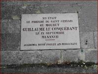 Lápida donde estuvo el priorato en Rouen