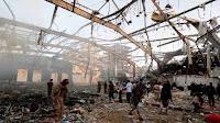 Suudil Arabistan Yemen'de katliam yaptı ve cenaze töreni bombaladı
