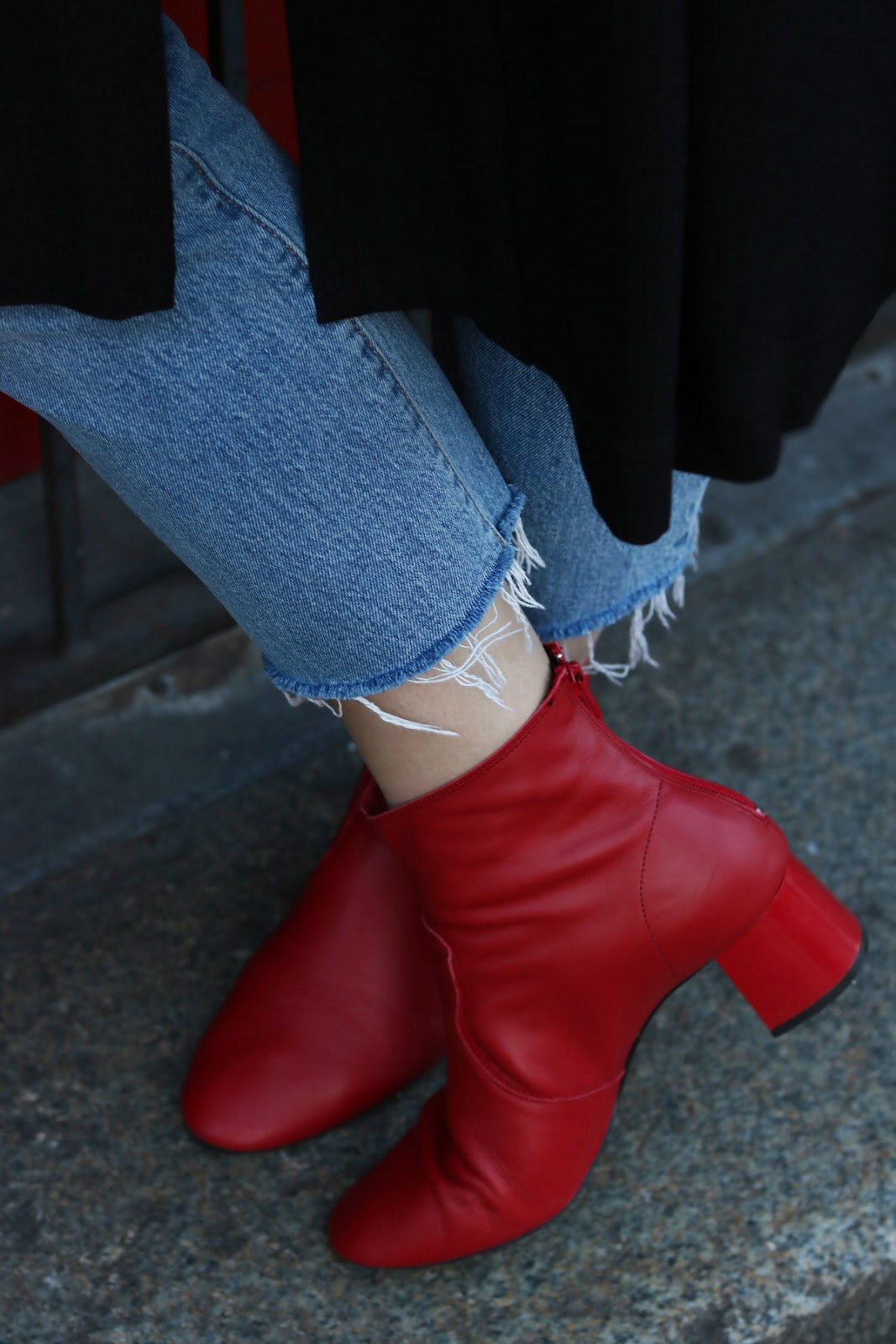 red leather boots mango outfit
