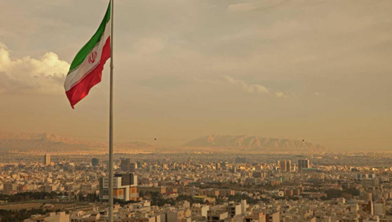 Iran mengatakan tidak akan membiarkan 'kesepakatan abad' terjadi
